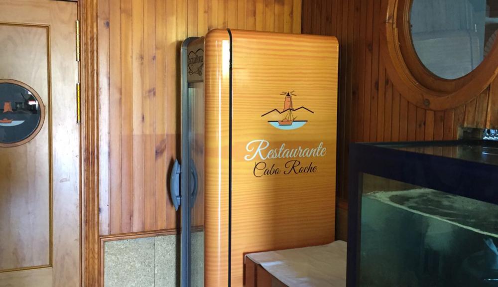 rotulación nevera Cabo Roche