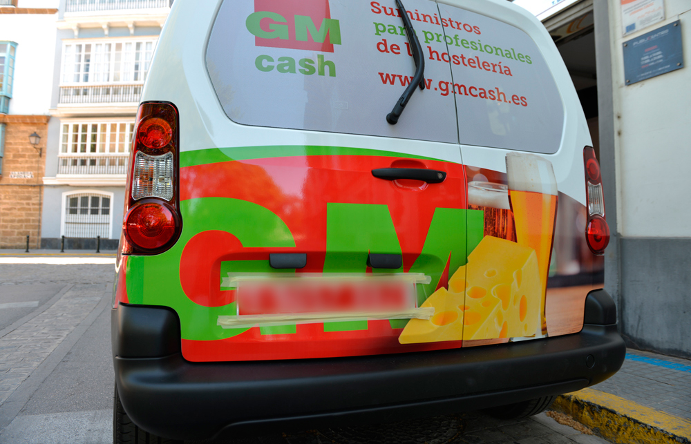 rotulación vehículo gmcash-trasera