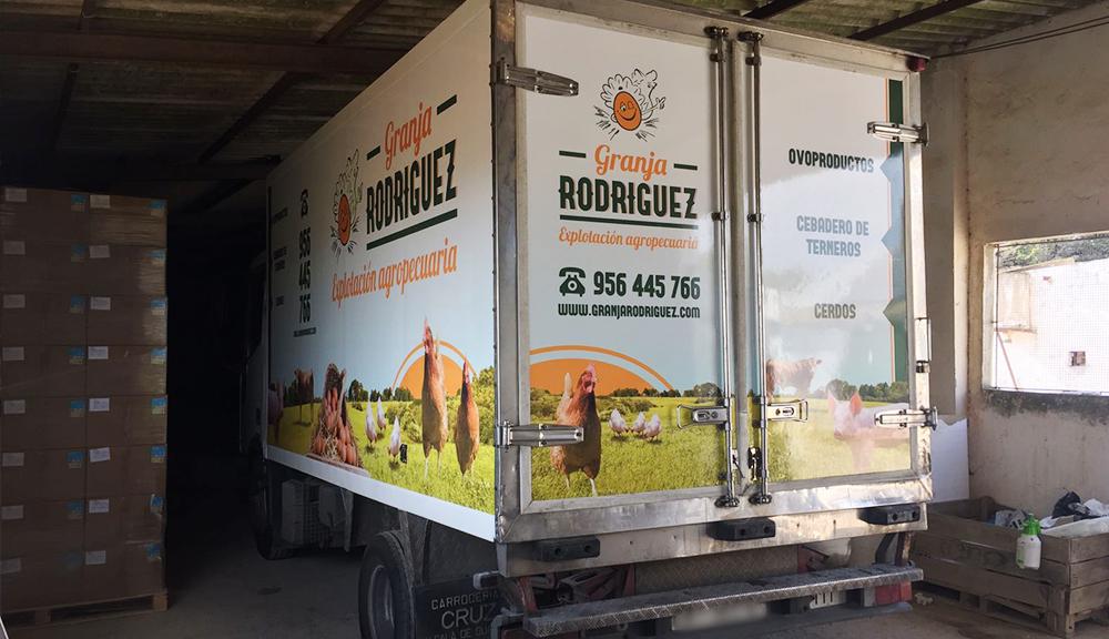 rotulación furgoneta granja rodriguez