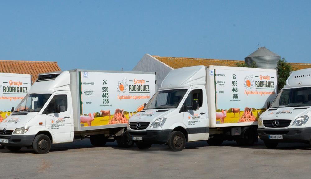 rotulación furgoneta granja rodriguez2