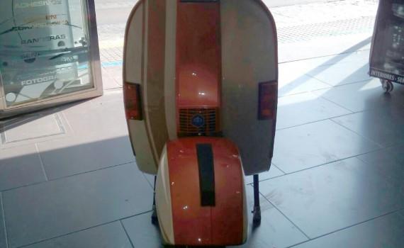 rotulacion-motocicleta-vespa-frontal